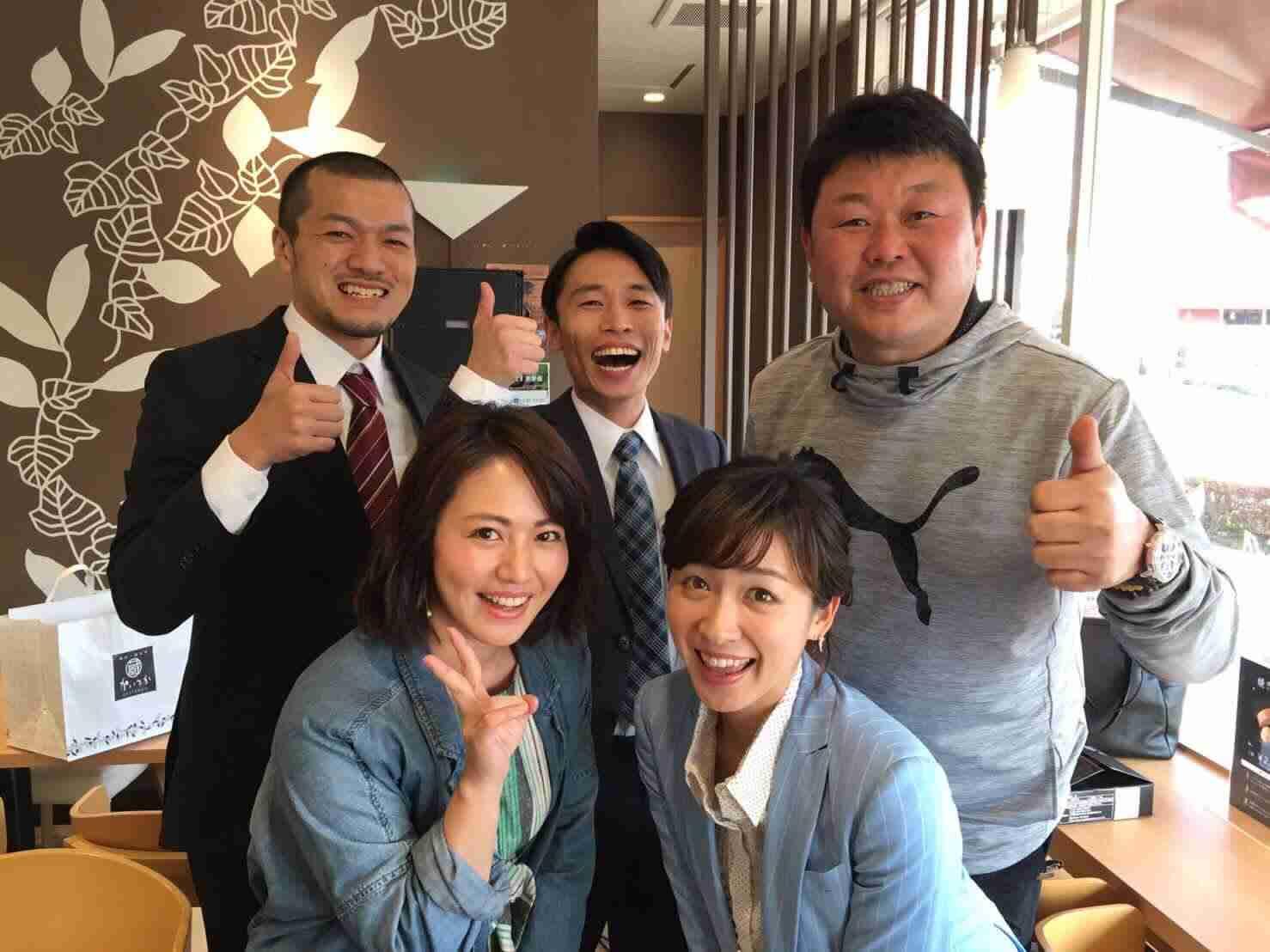 芸人のカミナリが好きな人〜!