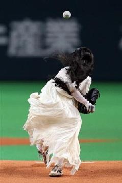 西武・秋山翔吾がタレントの始球式に苦言「普通にやってほしい」