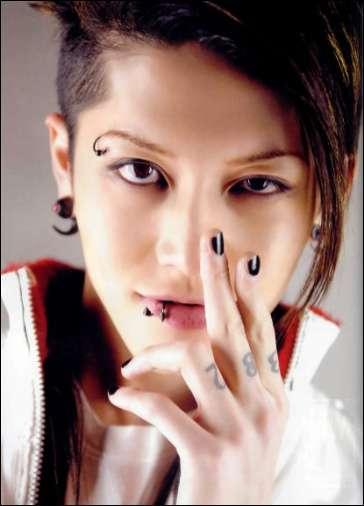 EXILE小林直己・MIYAVIがパリコレモデルに 豪華ランウェイに驚きの声