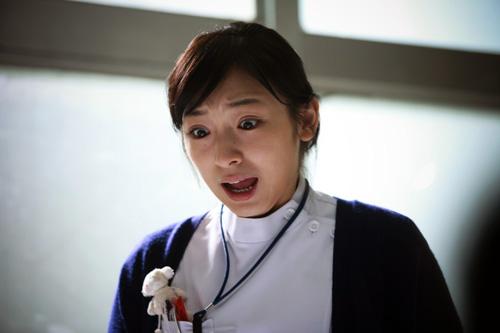 """加護亜依、新ヘア披露 洗練された""""切りっぱなしボブ""""に注目集まる"""