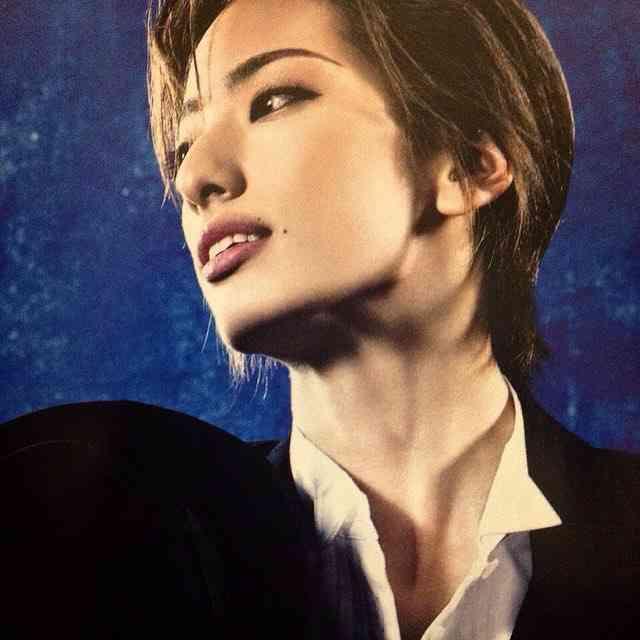 好きな宝塚の男役は誰ですか?