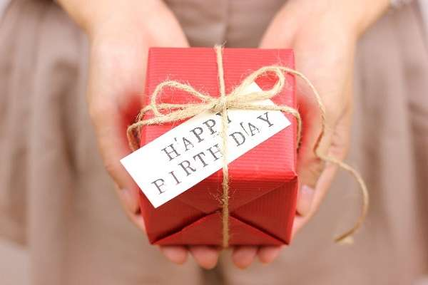 旦那に貰った誕生日プレゼントと結婚何年目かを書くトピ