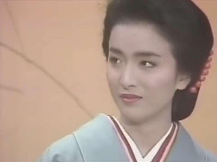 橋本環奈、しっとり大人な和服姿に「美しい…」「可愛すぎて心臓止まる」