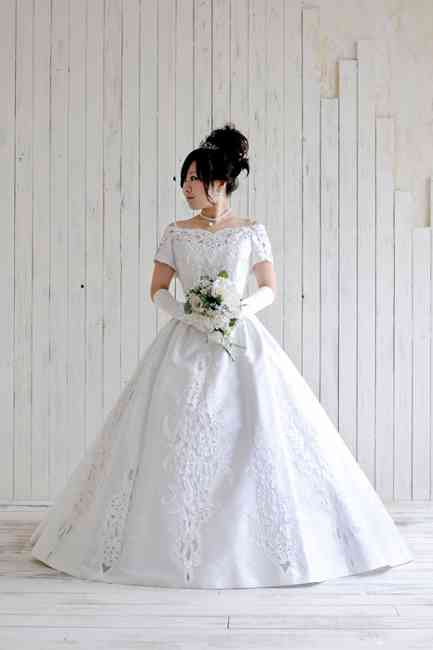 〖画像〗一般日本人が似合うウェディングドレス〜低身長普通体型〜