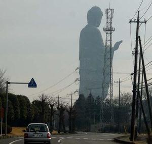 巨像を見てぞわぞわするトピ