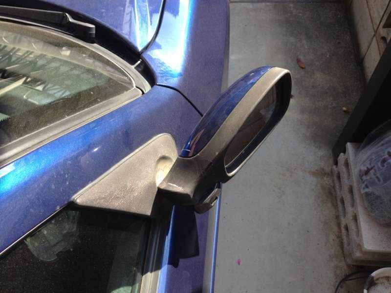 駐車場でドアミラーたたむ? そもそもなんのための電動なのか