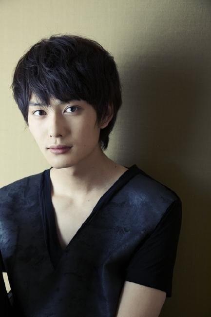 竹内涼真、ツンデレ教師初挑戦…映画「センセイ君主」で初ラブコメ