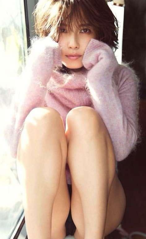 元AAA伊藤千晃 6カ月の我が子抱き、幸せいっぱいのお宮参り