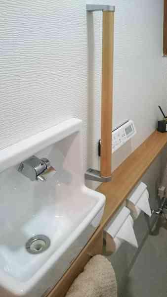 自宅のトイレで手を洗うとき