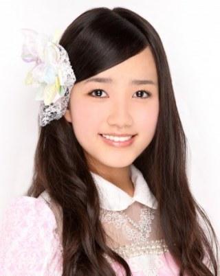 AKB48加藤玲奈、朝イチ完全すっぴん シーツに包まれる姿に「色気すごい」「裸?」興奮の声殺到