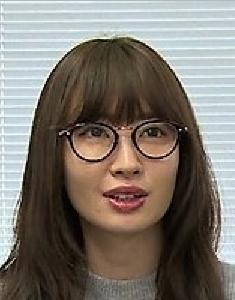 小嶋陽菜、脚長すぎ!抜群スタイルに絶賛