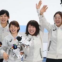 スピードスケート女子チームパシュート、日本が金メダル!姉妹出場の高木美は冬季1大会初の金銀銅メダル制覇