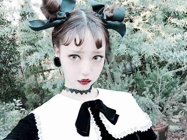 """""""中村雅俊の娘""""二世モデル・中村里砂が精神的ダメージで仕事激減「長時間の撮影は無理」と…"""