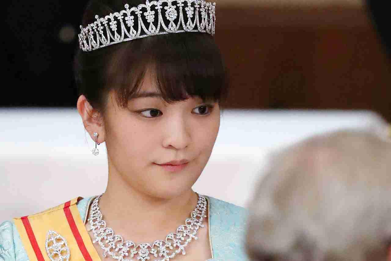 眞子さま、小室圭さんとの結婚延期で「引きこもり・食欲不振」に