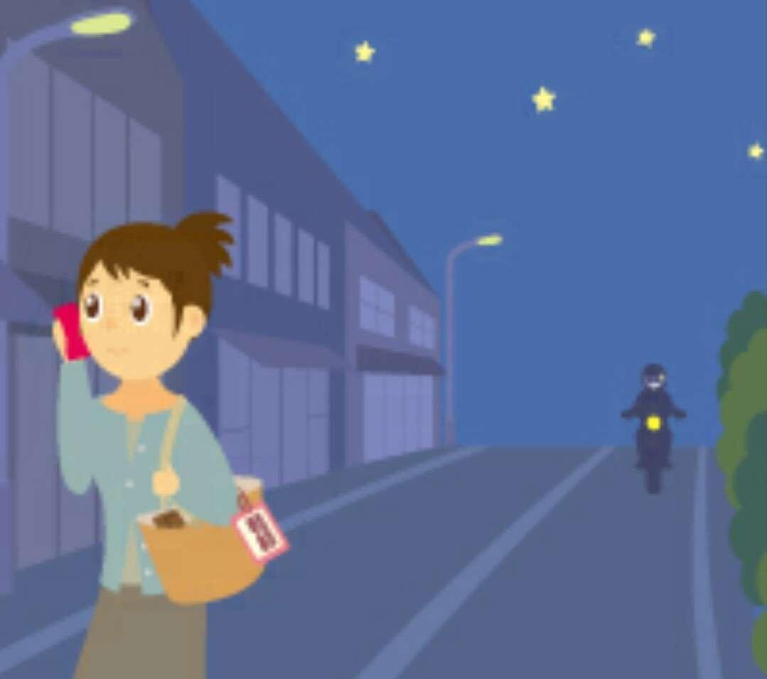 歩きながらのイヤホンの使用は控えるべき?