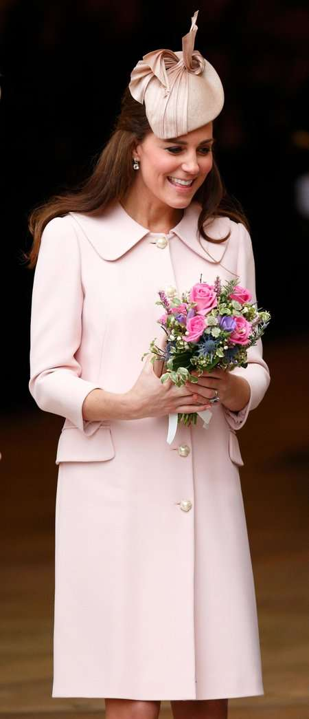 ピンク服のコーデ画像下さい!