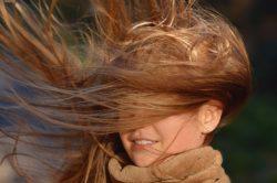 髪を自然乾燥させる派の人