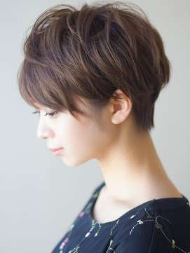 絶壁の人のヘアスタイル