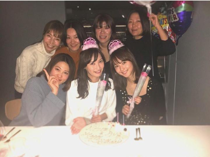 佐々木希が30歳に 親友・大政絢らから誕生日祝われ「ありがとう!!! らぶだぞ!」
