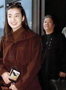 V6森田剛との再婚に暗雲…宮沢りえと宮崎あおいに確執も
