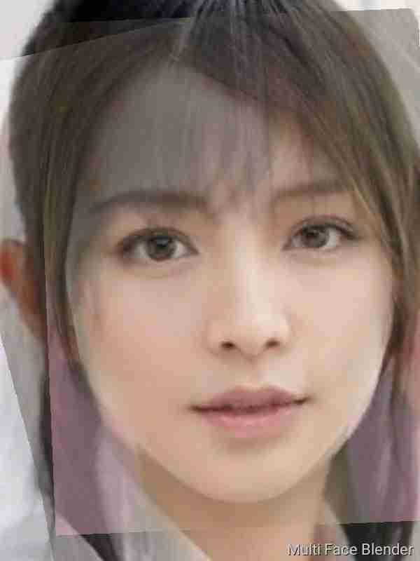 加藤ローサさん、2児ママになった今でもかわいさ健在!子どもの書いた似顔絵も公開