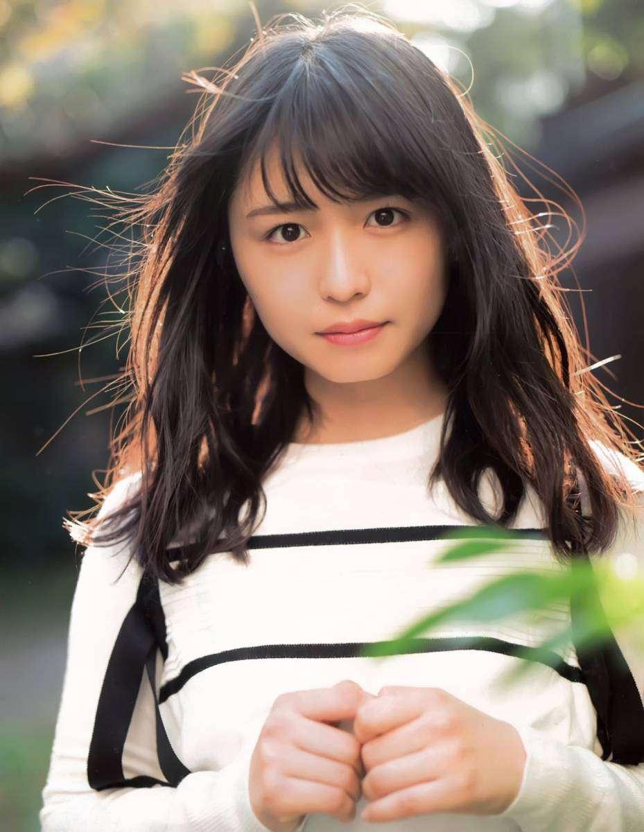 欅坂46長濱ねる写真集、5度目重版で17万部突破 10代読者層を開拓