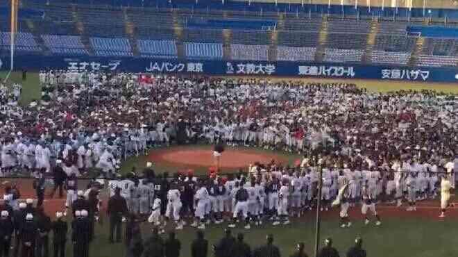 稲村亜美「中学生に襲われる」異様な光景......リトル野球大会始球式で「怖すぎる」事態に
