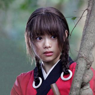 杉咲花の重め前髪ヘアーが美少女すぎる 「別人みたい」と驚愕の声も