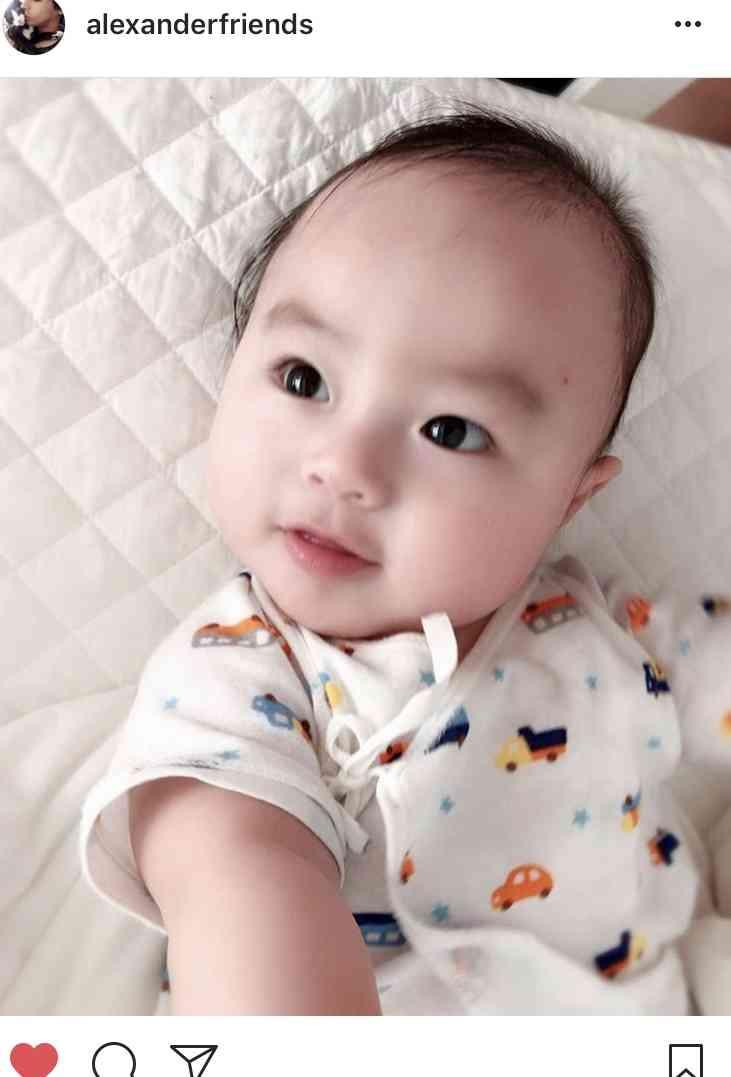 アレク、息子のイケメン写真公開 Instagramでは「100億万年に一度のイケメン」と大絶賛