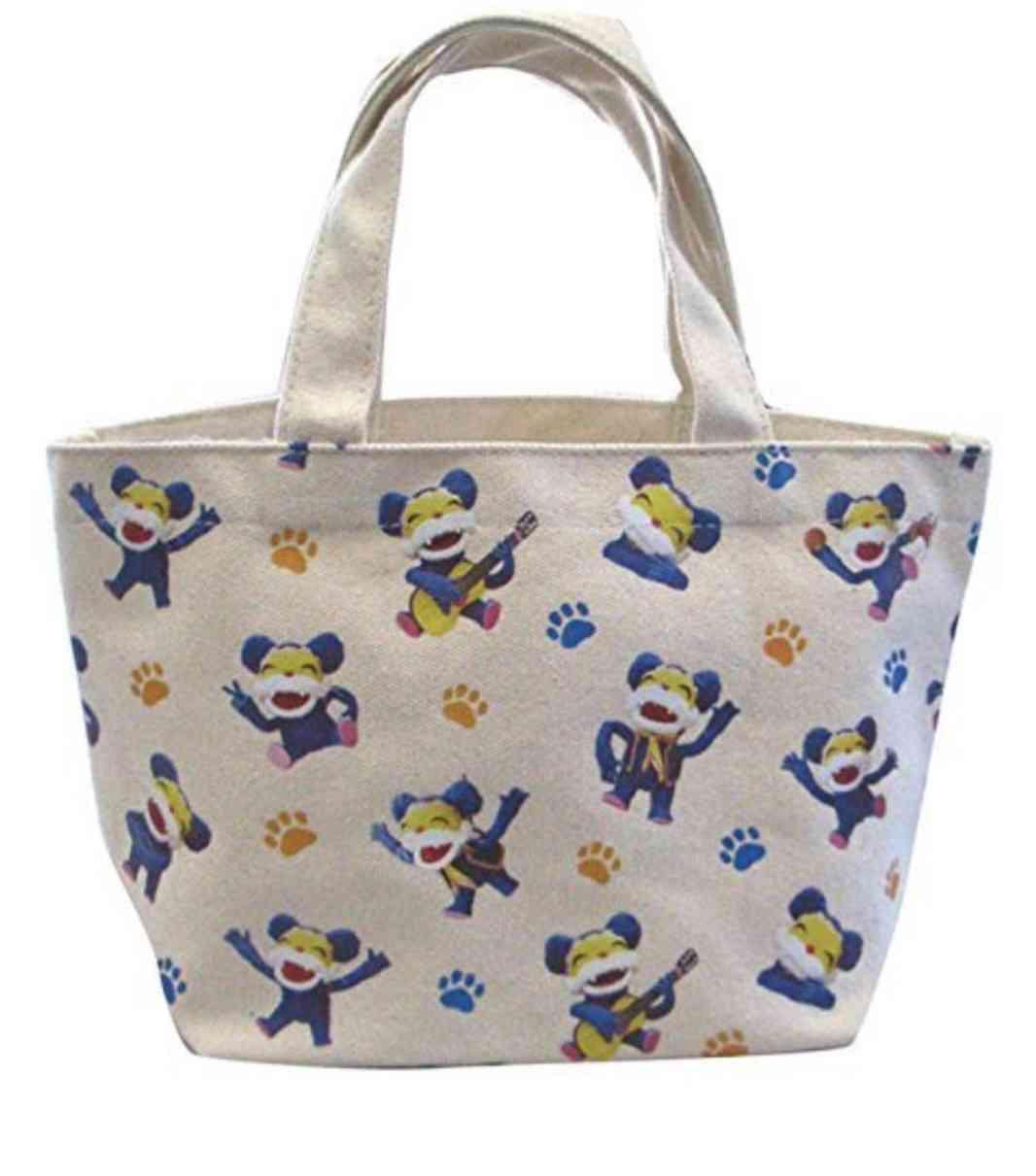 バッグの中にいくつキャラ物入っていますか?