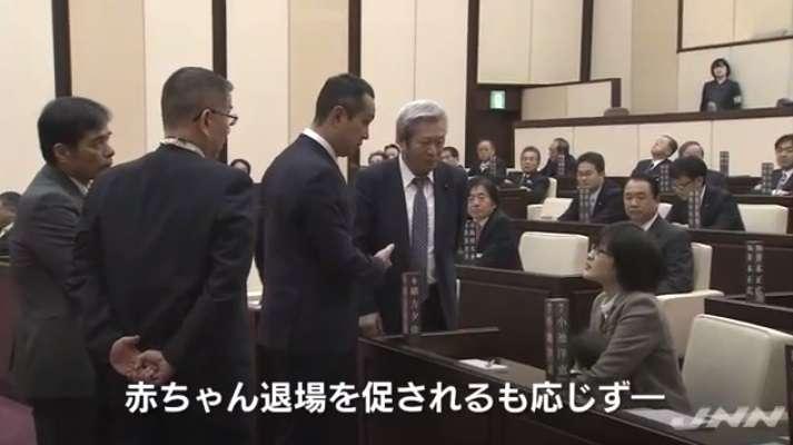 議場に乳児問題、異例のスピード対応 熊本市議会、4カ月で規則を改正