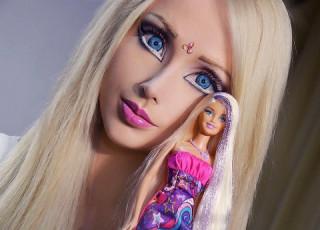 お人形さんみたいって?