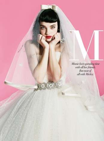 ミッキーやミニーがモチーフ ディズニーキャラの新作ウエディングドレス発表
