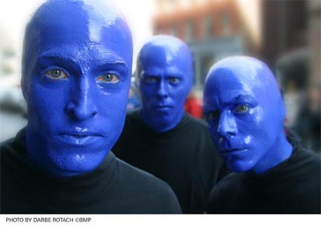 「隣の家族は青く見える」的なことを言ってください