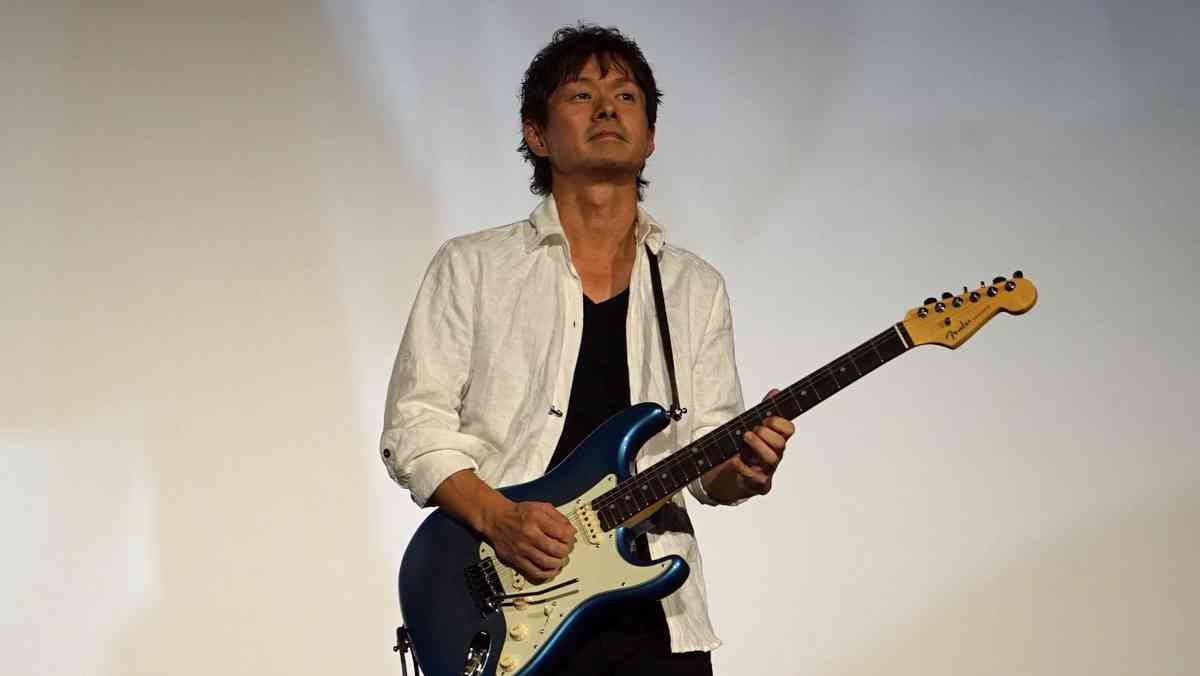 ギタリストのギター弾いてる姿を貼ろう