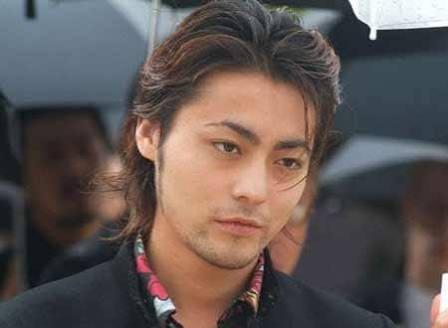 山田孝之の16歳時プリクラ 「えっ?やばい!若い」