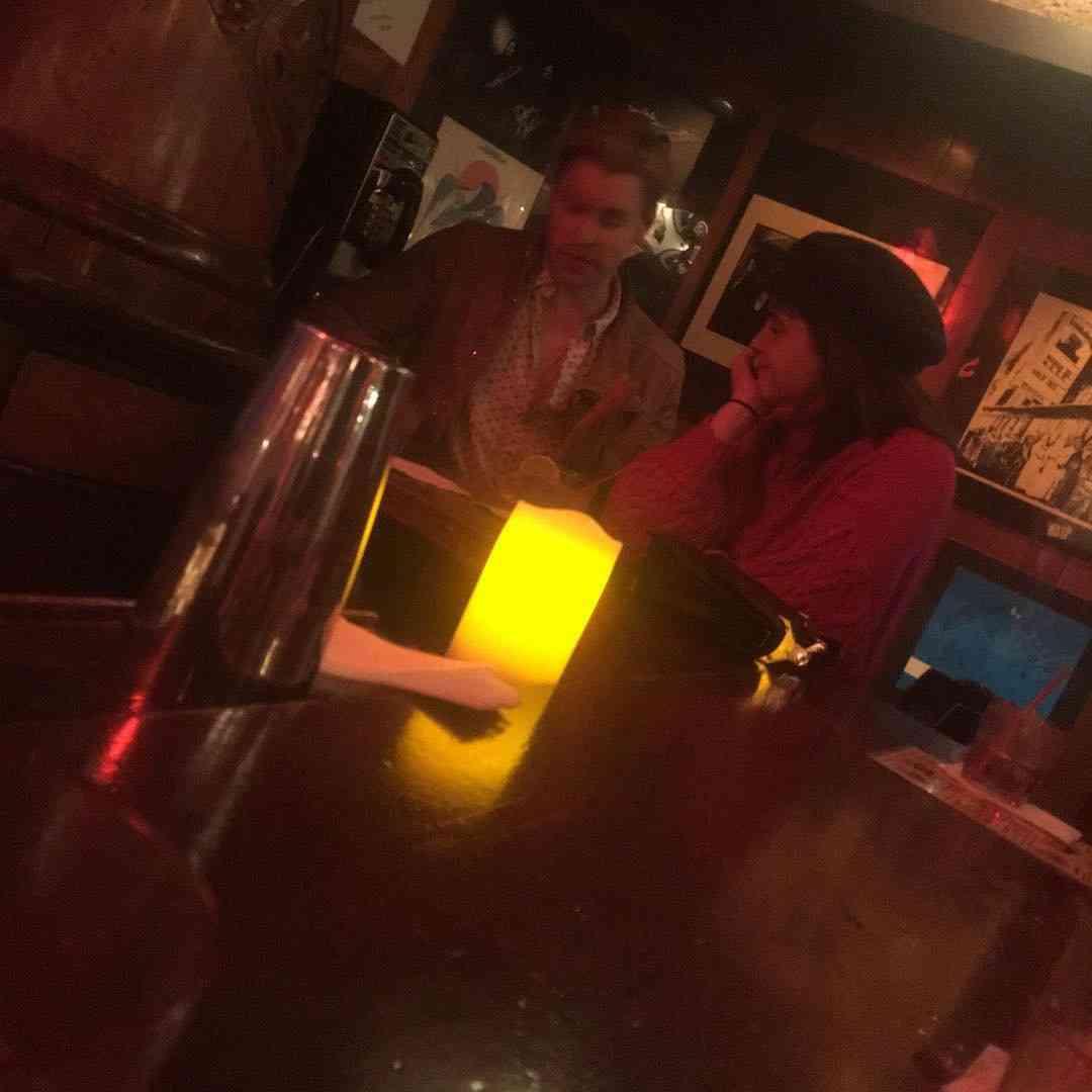 エマ・ワトソン、新恋人報道「glee」のイケメン俳優と交際か