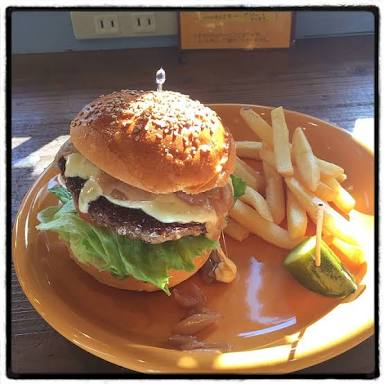 【画像】ハンバーガーとポテトをひたすら貼るトピ