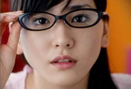 メガネが似合わない!