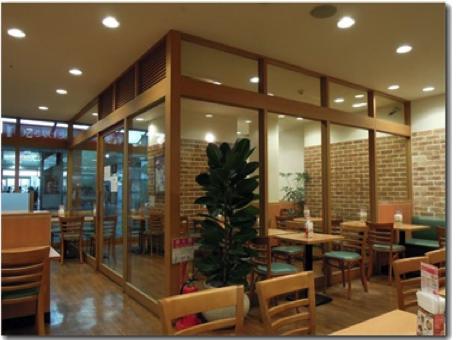 モスバーガー、全店舗を「禁煙」に 20年までに店舗改装