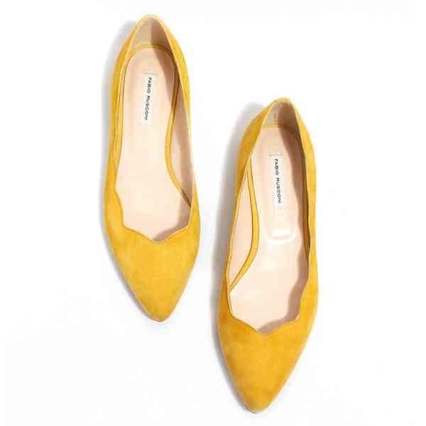 暖かくなってきました。どんな靴を履きますか?