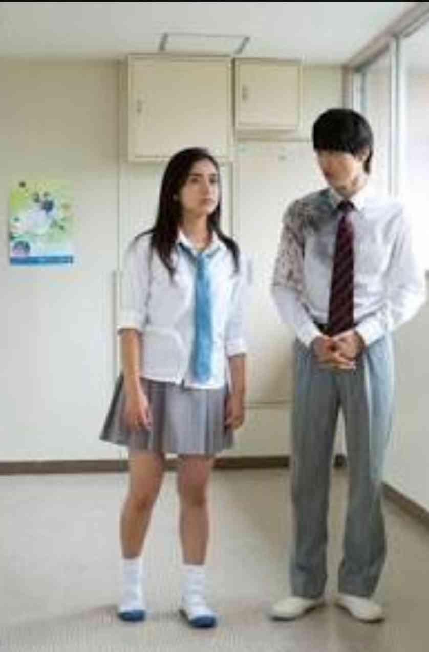 平祐奈、シックなモノクロショット公開「大人のモデルさん、って感じ」「カッコイイ!」と絶賛の声