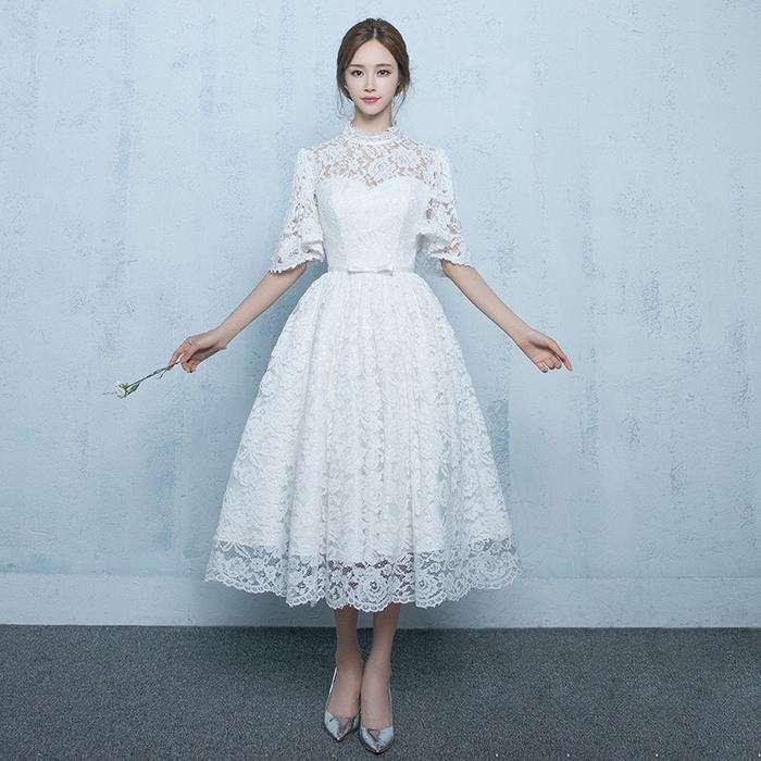 結婚式2次会の花嫁の服装