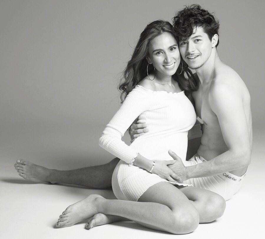 MALIA.第4子妊娠祝福に美しすぎる夫婦写真で感謝…昨年4度目婚
