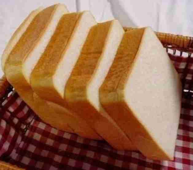 食パン  何枚切りが好きですか?