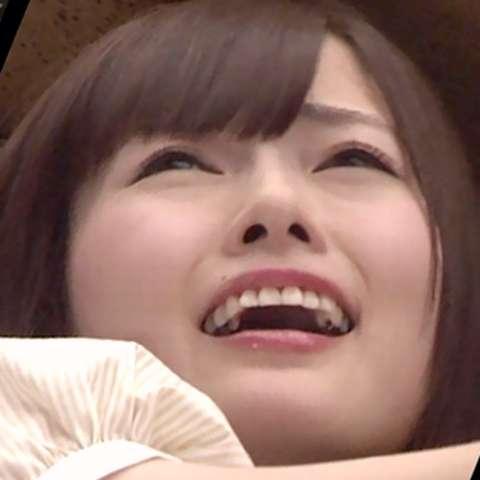 乃木坂46白石麻衣、寝顔が美しすぎる 秋元真夏が撮影<乃木撮・先行カット>