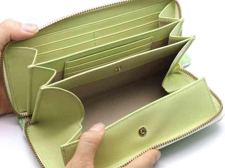 変わった財布みせてください!