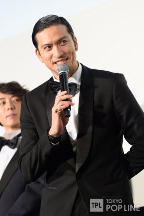 長瀬智也 高橋一生&ディーン・フジオカとイケメン3ショット披露…歓声浴びる 映画「空飛ぶタイヤ」