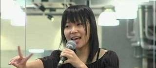 指原莉乃がミニスカ教師姿でドヤ顔 総選挙に「下で何をやってんだろう」