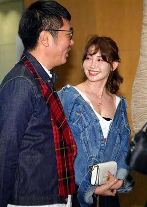 「世界一美しいです!」小嶋陽菜、30歳を迎えた大人セクシーショットに絶賛の声が殺到!